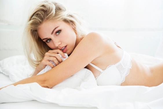 Mainstream Model Scarlett Leithold - 06