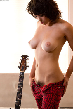 Sexy Rocker Babe Raven Rockette Playing the Guitar Nude for Digital Desire - 07