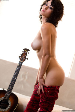 Sexy Rocker Babe Raven Rockette Playing the Guitar Nude for Digital Desire - 08