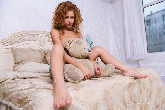 Julia Via FameGirls - 08