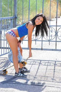 Photo #3 of 15+ | FTVGirls Brunette Teen Skateboarding