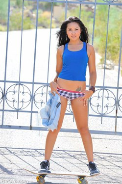 Photo #8 of 15+ | FTVGirls Brunette Teen Skateboarding
