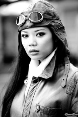 Miss Luana Lani Aviator - 01