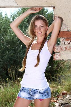 Claudia Via MPL-Studios - 00