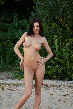 Photo #6 of 15+   Busty Brunette Babe OutDoors