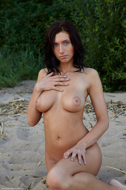 Photo #8 of 15+   Busty Brunette Babe OutDoors
