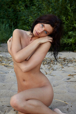 Photo #9 of 15+   Busty Brunette Babe OutDoors