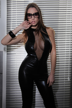 Luciana Latex Pussycat Photodromm - 01