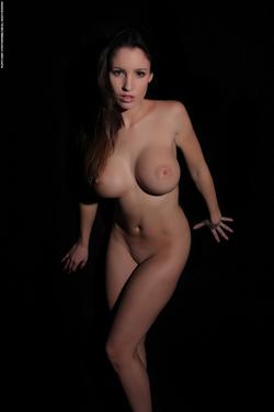 Luciana via Photodromm - 14
