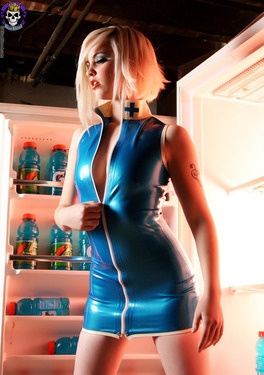 Rubber Dollies Hungry Blonde  - 03