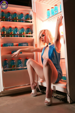 Rubber Dollies Hungry Blonde  - 07