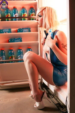 Rubber Dollies Hungry Blonde  - 11