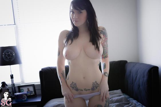Photo #6 of 15+   Busty Tattooed Babe Phecda