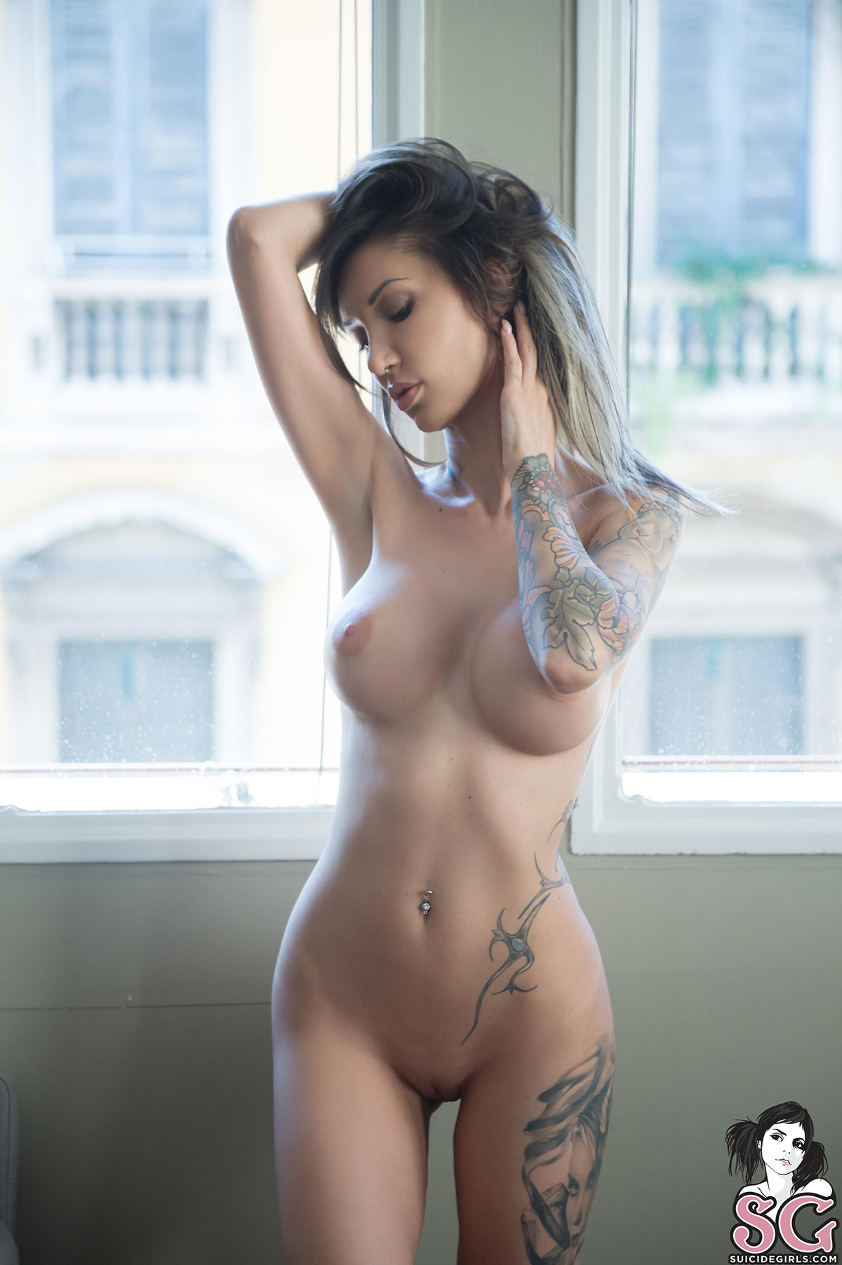 bare-naked-suicide-girls