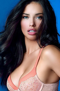 Amazing Beauty Adriana Lima Sexy Lingerie Photos
