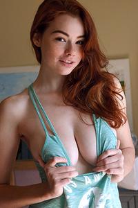 Sexy Redhead Sabrina Lynn Via Zishy