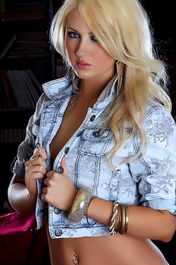 I Luv Blonde Babe Ashlie in Jeans and White Thongs