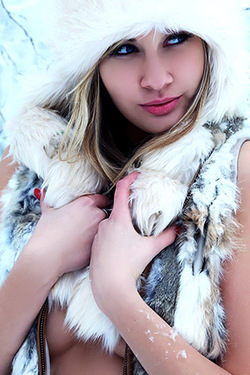 Cute Young Blonde Teen Holy in the Snow for Watch4Beauty