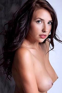 Niemira Foxx Nude Perky Play