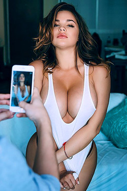 Anastasiya Kvitko The Russian Kim Kardashian Is Back