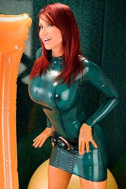 Bianca Beauchamp Green Orange Props