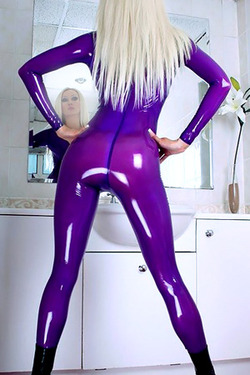 Saffron Taylor In Latex