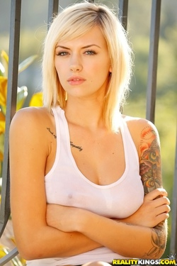 Young Beauty Emma Mae - 06